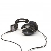 Shure SRH1540 Premium Closed Over Ear Headphones (8)