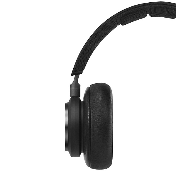bang-olufsen-beoplay-h9-wireless-over-ear-headphone-1